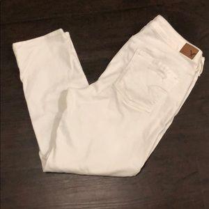 *White distressed boy crop jeans 10*